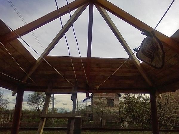 Строительство крышы беседки