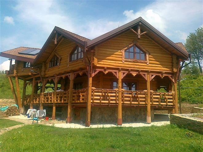 Деревянные дома. Дома из оцилиндрованного, перфорированного и клееного бруса